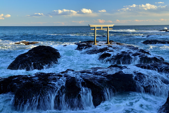 茨城県大洗町大洗海岸の鳥居の画像です。