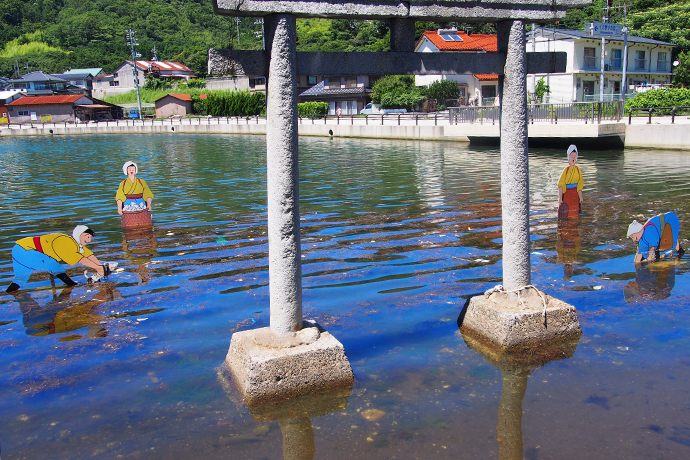 島根県西ノ島町由良比女神社(ゆらひめじんじゃ)鳥居
